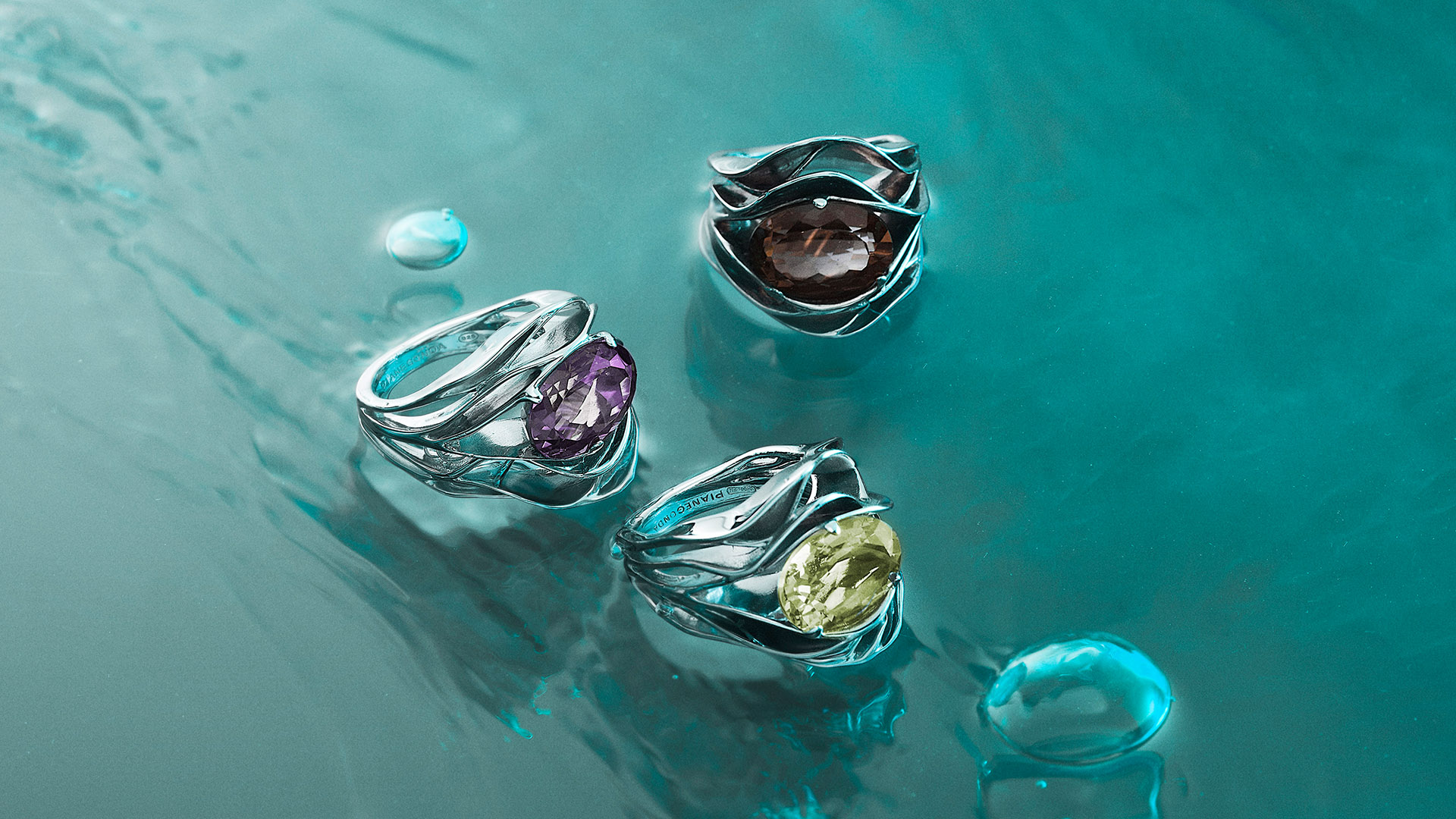 rings with water still life