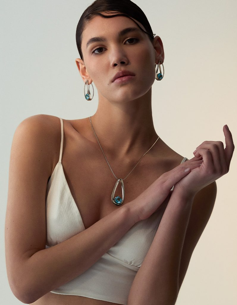 a model with tecum collection